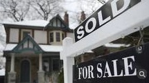 Toronto housing extends surge as Vancouver slump deepens
